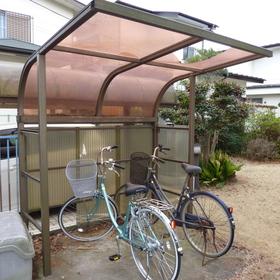 駐輪場の屋根修理-BEFORE01
