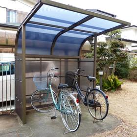 駐輪場の屋根修理-AFTER01