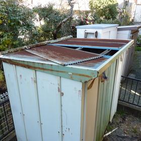 物置の屋根修理-BEFORE01