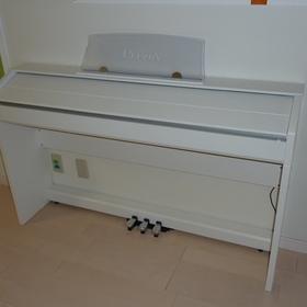 ピアノの転倒防止-BEFORE01