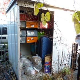 物置の解体と不用品撤去-BEFORE01