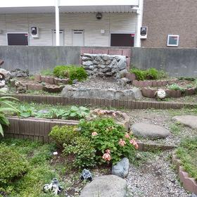 花壇の解体とブロック処分-BEFORE01