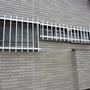 窓枠の塗装工事-BEFORE02