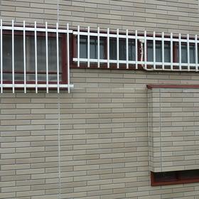 窓枠の塗装工事-AFTER01
