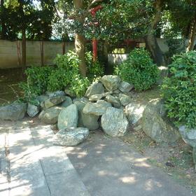 庭石の撤去作業-BEFORE01